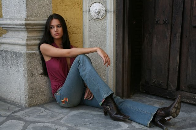 monica spear, top 5 de miss universe 2005. † - Página 5 640ful11