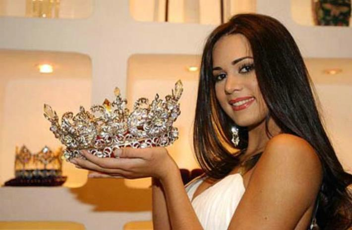 monica spear, top 5 de miss universe 2005. † - Página 5 78789710