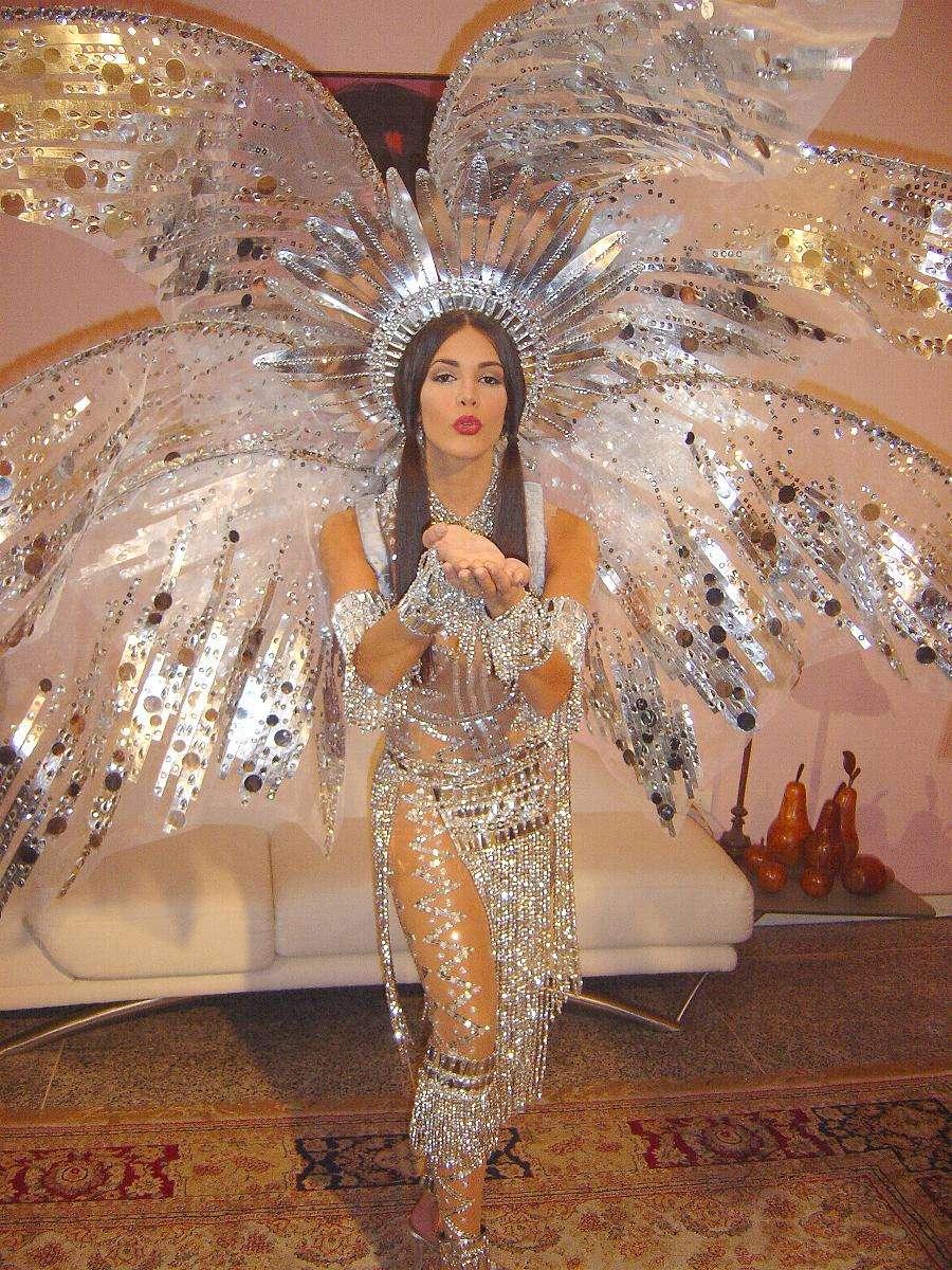 monica spear, top 5 de miss universe 2005. † - Página 2 912