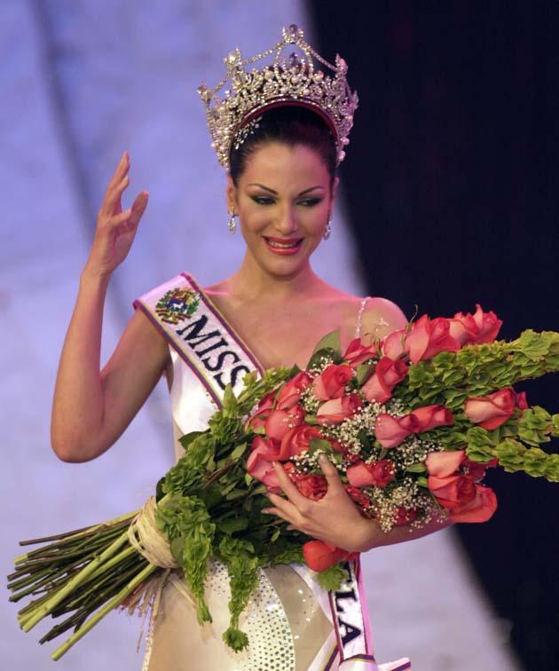 eva ekvall, 3rd runner-up de miss universe 2001. † A12410