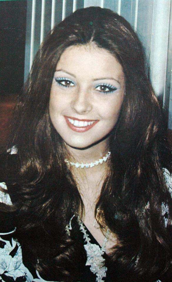 amparo munoz, miss universe 1974. † C36b4810