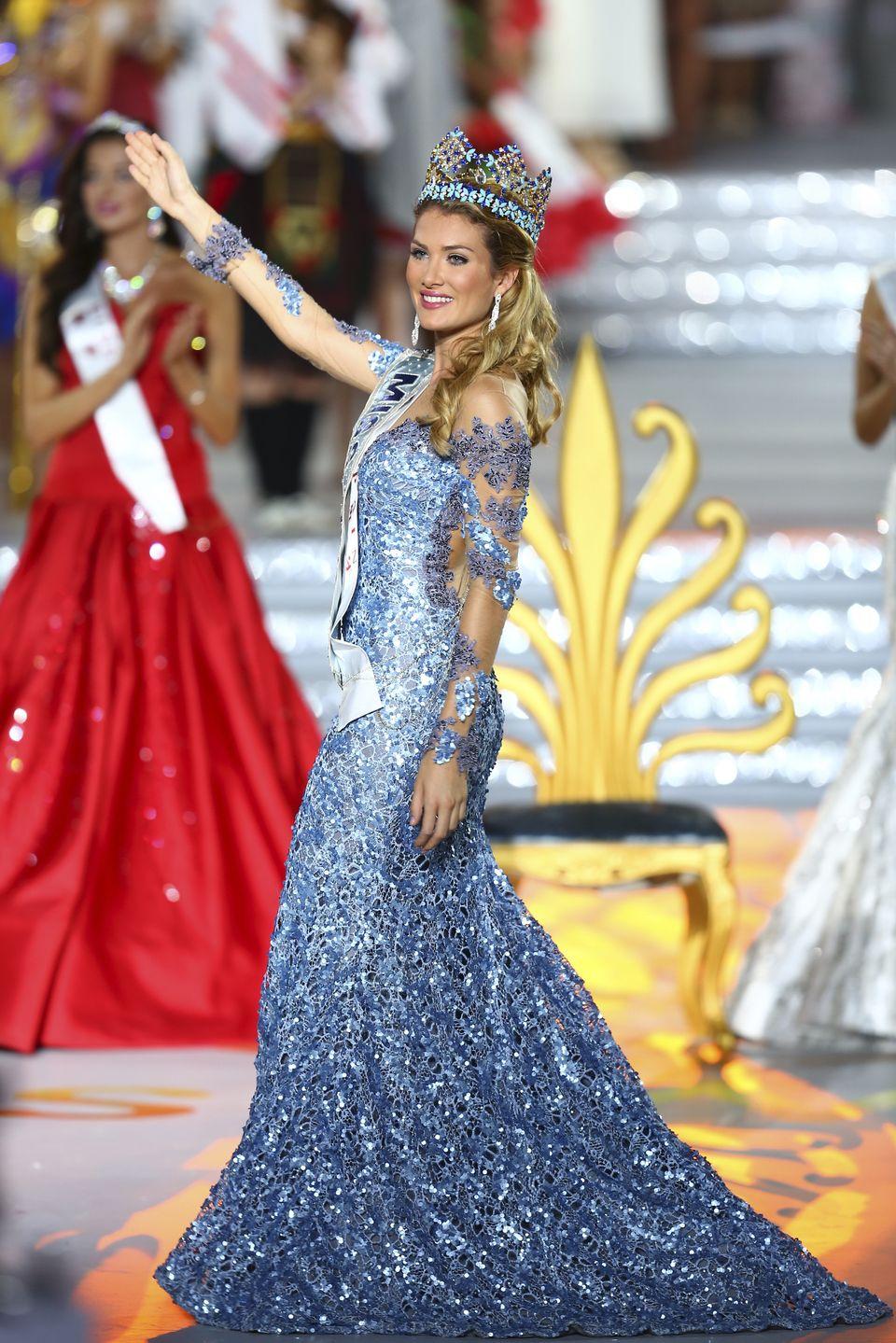 mireia lalaguna, miss world 2015. Cb32a410