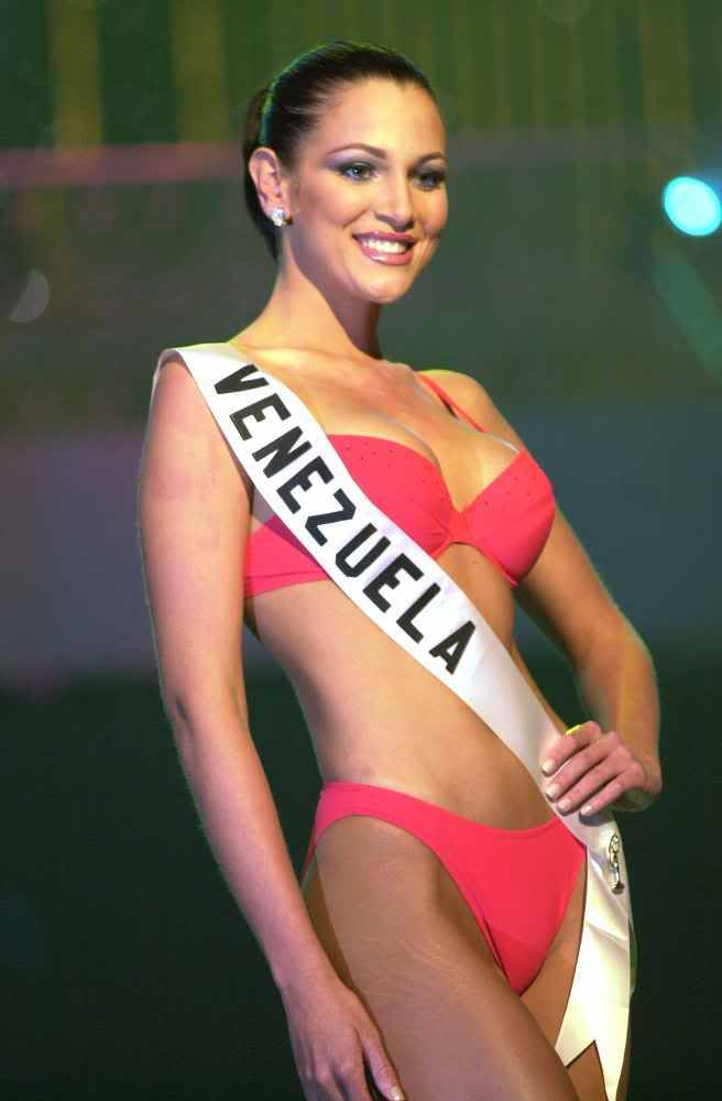 eva ekvall, 3rd runner-up de miss universe 2001. † Evaekv10
