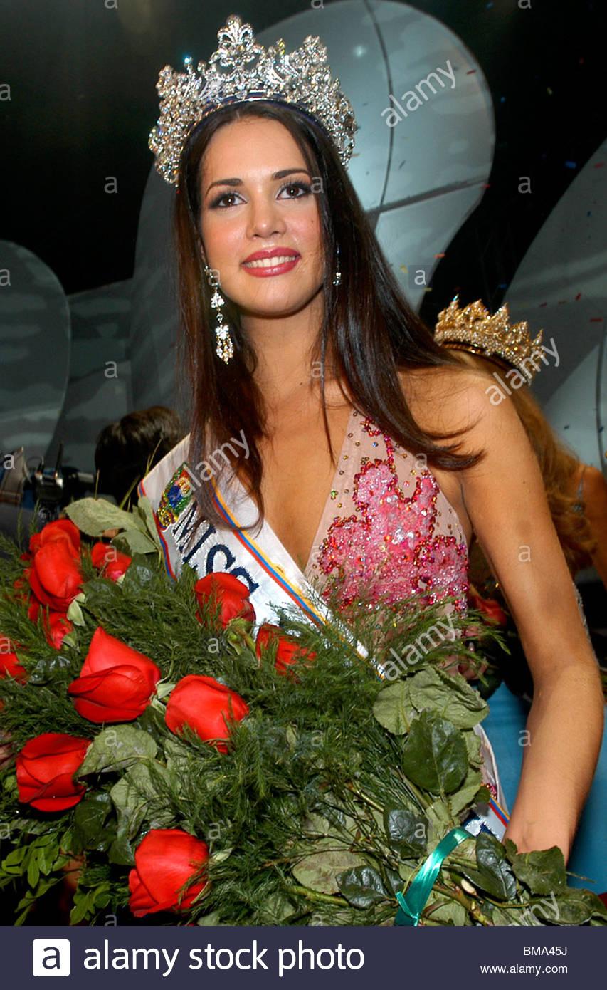 monica spear, top 5 de miss universe 2005. † - Página 3 Miss-v35