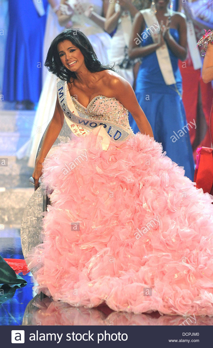 ivian sarcos, miss world 2011.  - Página 4 Miss-v47