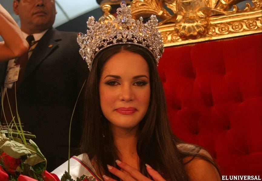 monica spear, top 5 de miss universe 2005. † - Página 5 Ms000010