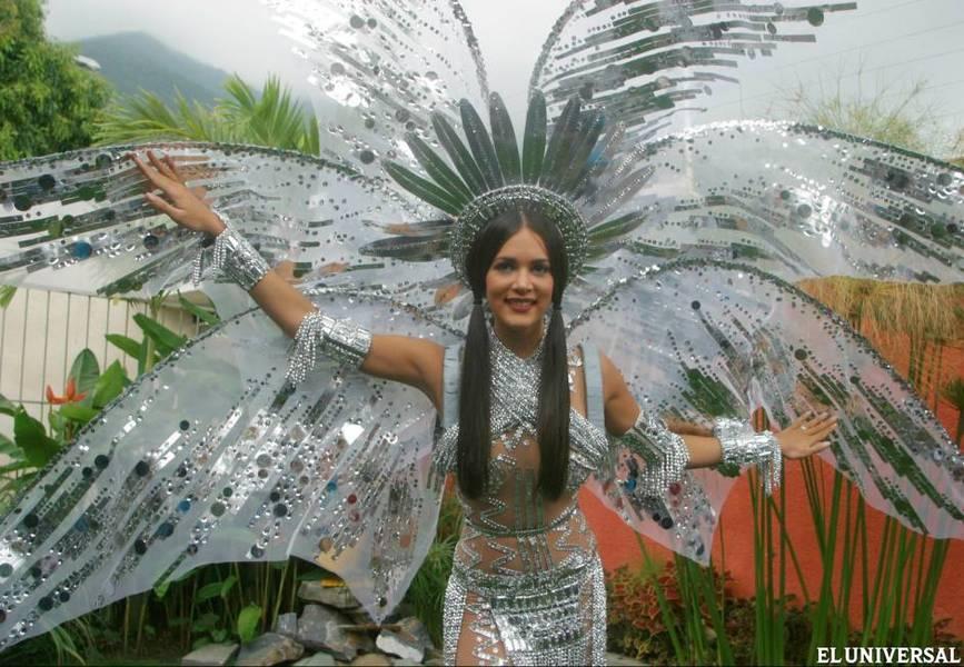 monica spear, top 5 de miss universe 2005. † - Página 6 Ms100010