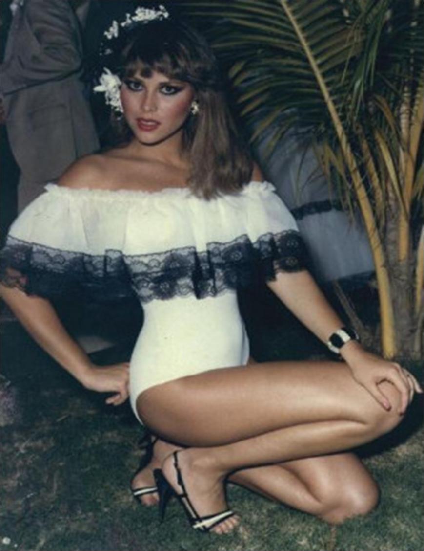pilin leon, miss world 1981. - Página 4 Pilin120