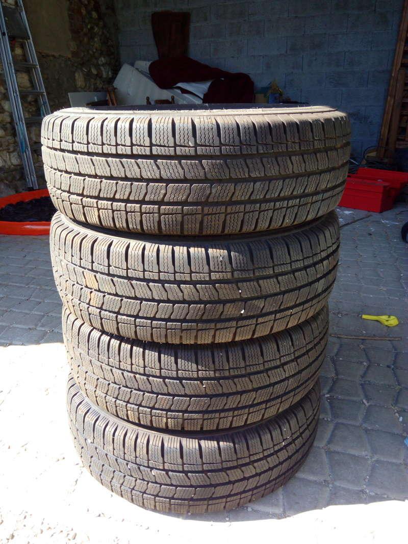 [Vendu] : 4 pneus neige 215 65 R16 C Img_2011