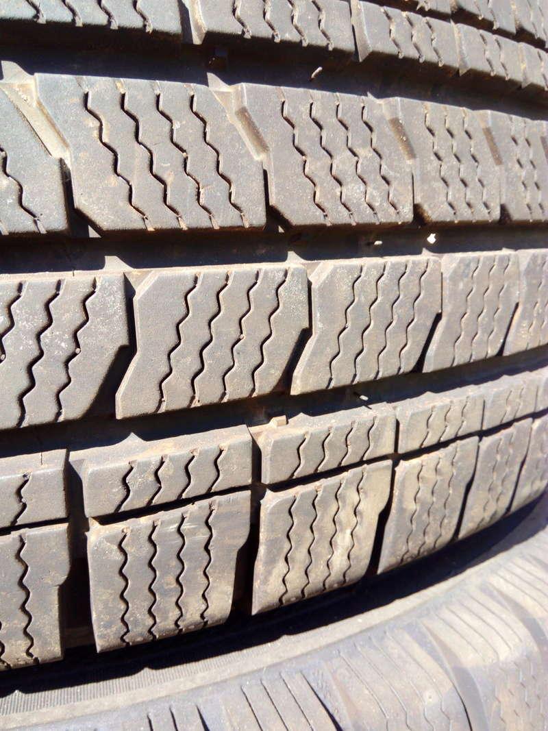 [Vendu] : 4 pneus neige 215 65 R16 C Img_2012