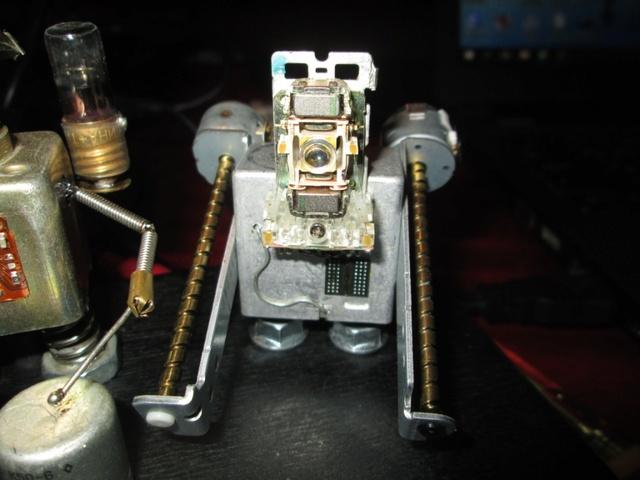 Поющие крымские роботы Img_8113