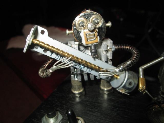 Поющие крымские роботы Img_8115