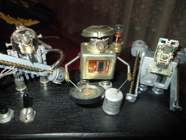Поющие крымские роботы Img_8117