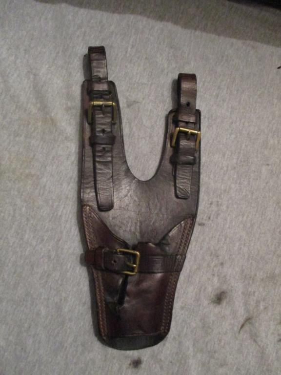 Porte sabre en cuir. Img_9726