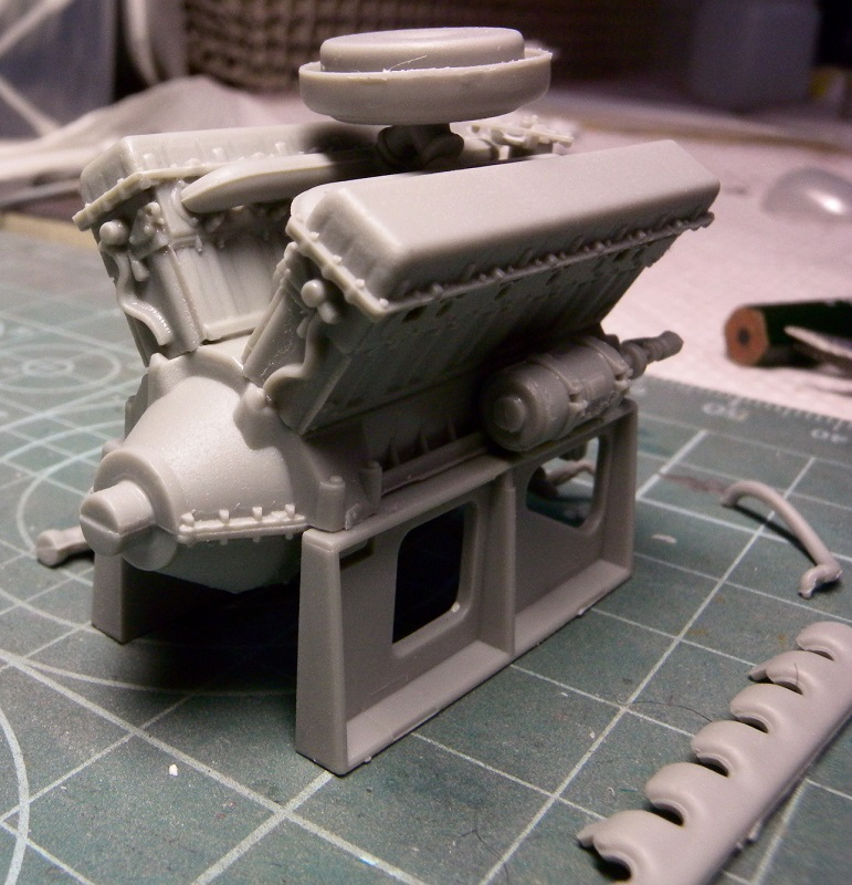 Community Build 20: Any tracked military vehicle. Dscn9115