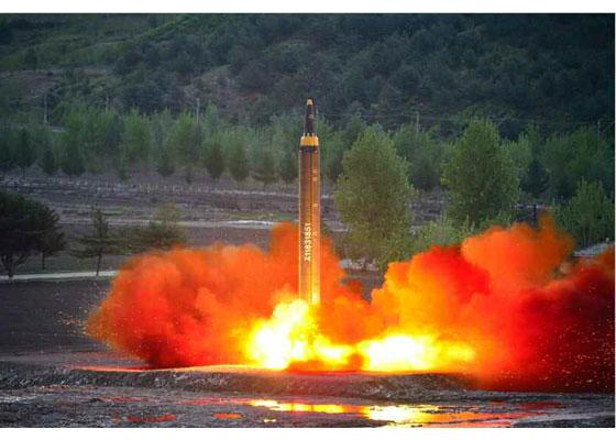 Corée du Nord - Page 5 2017-012