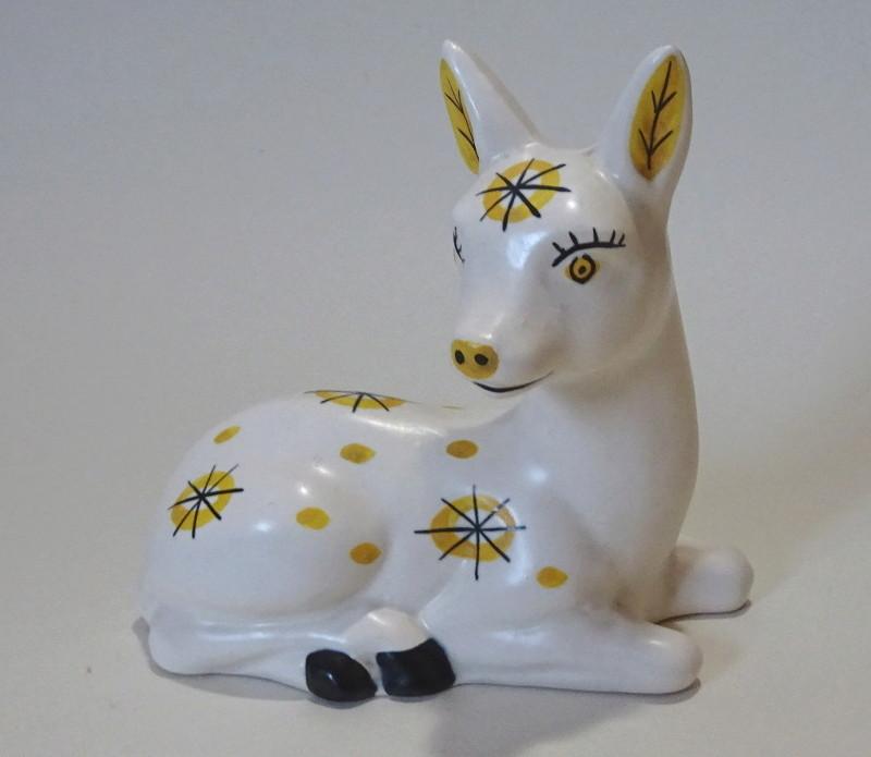 Deer - Rye Pottery? Iytvck11