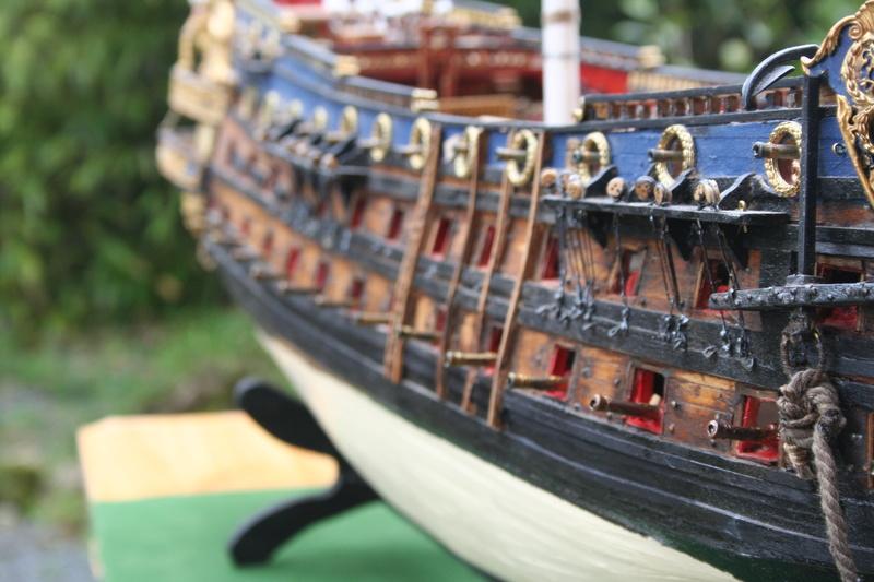 L'Ambitieux  un des navires de Tourville par michaud - Page 32 Img_0644