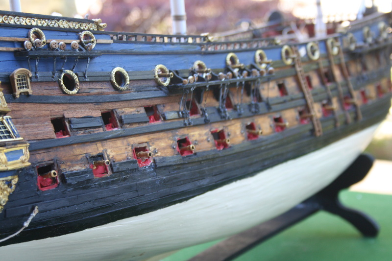 L'Ambitieux  un des navires de Tourville par michaud - Page 32 Img_0663