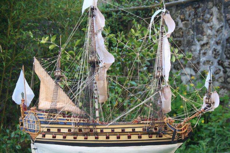 L'Ambitieux  un des navires de Tourville par michaud - Page 33 Img_0670