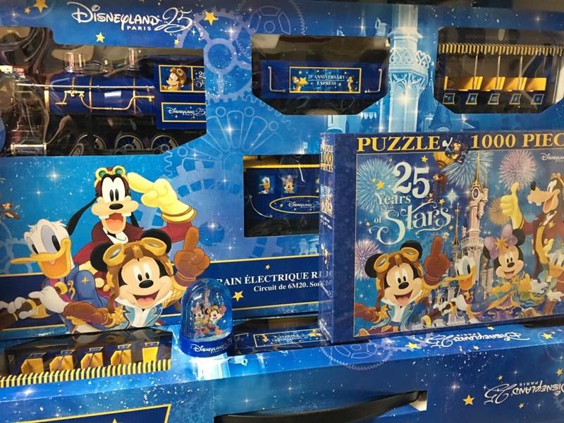 Les produits dérivés du 25ème anniversaire de Disneyland Paris - Page 2 Dlp_2511