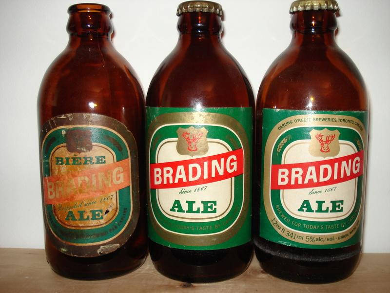 La bière Brading, bouteilles et objets de brasserie. 00110