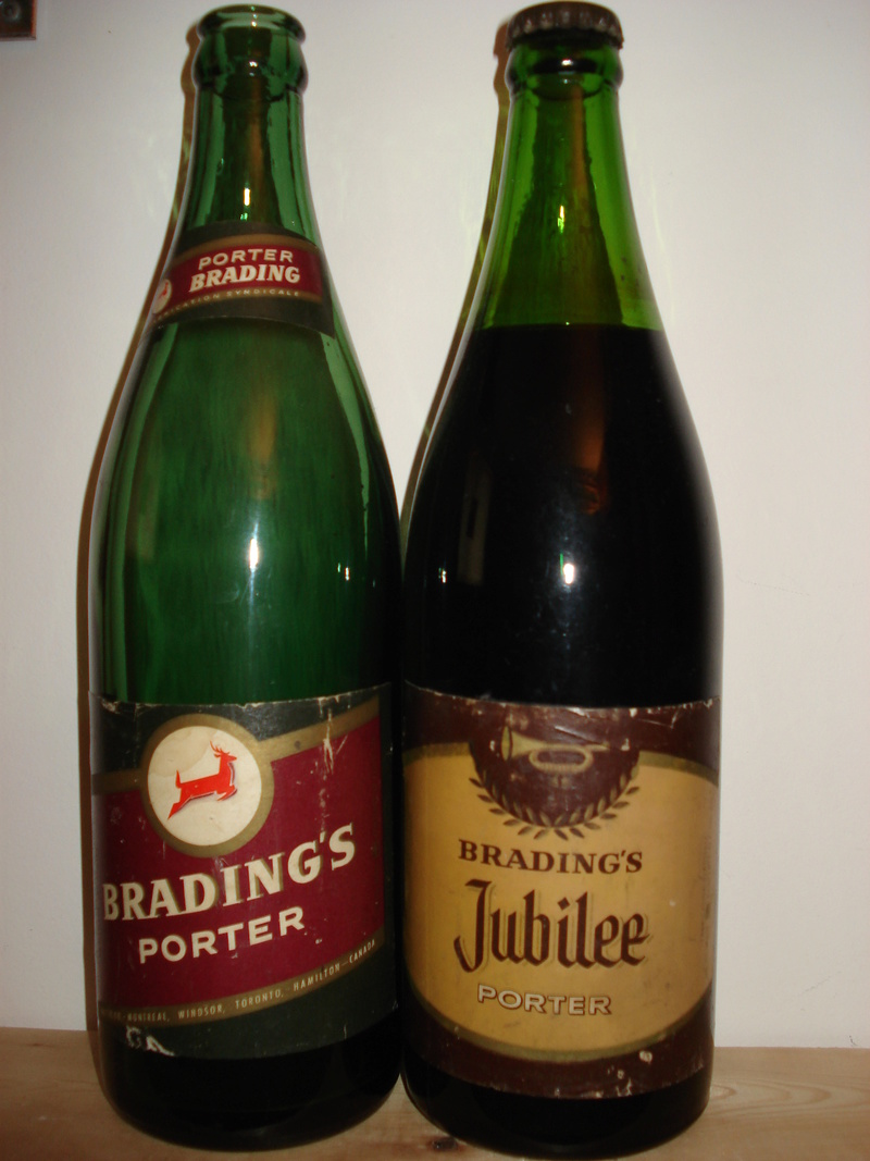 La bière Brading, bouteilles et objets de brasserie. 01510