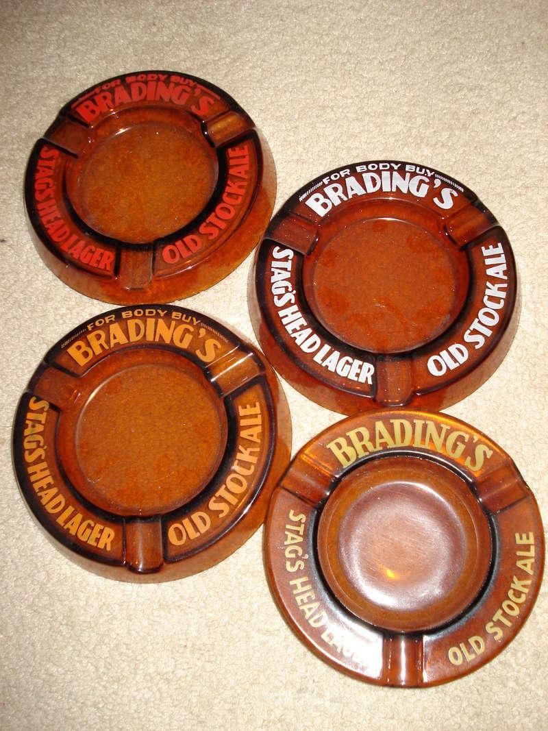 La bière Brading, bouteilles et objets de brasserie. 02910