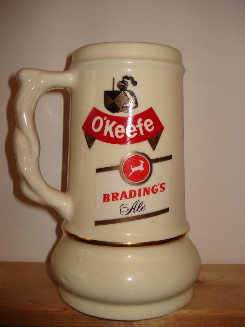 La bière Brading, bouteilles et objets de brasserie. 04010