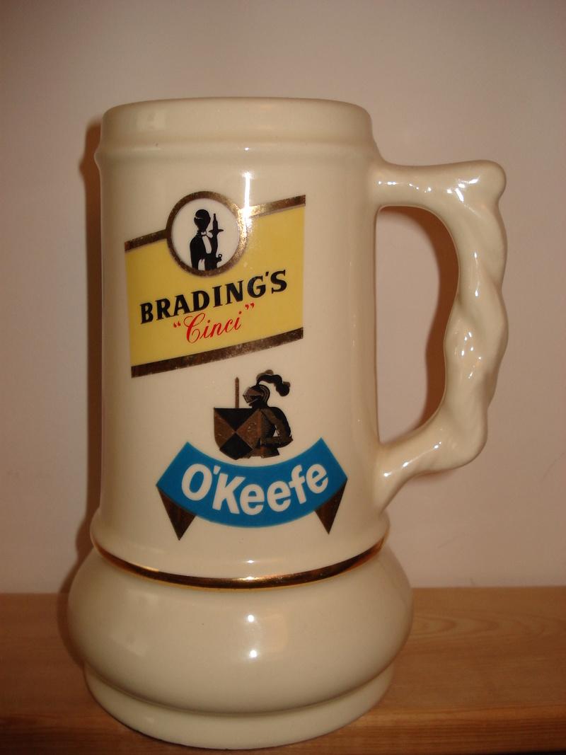 La bière Brading, bouteilles et objets de brasserie. 04310