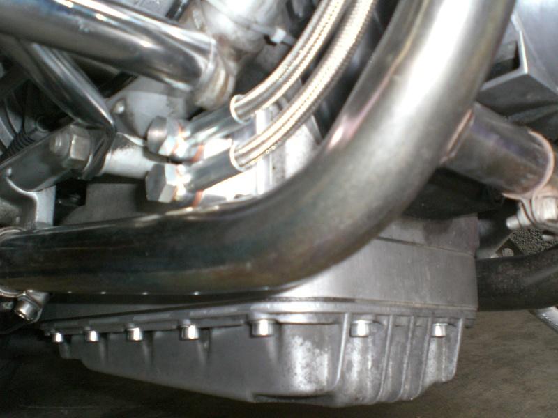 Montage d'un radiateur d'huile sur un R100S de 77 et là commencent les problèmes Radiat10