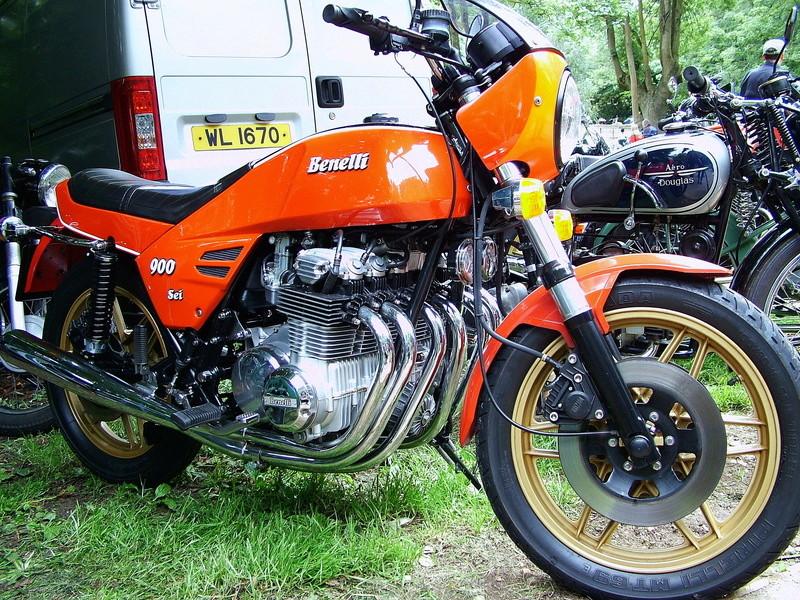 Votre plus belle moto du monde. Benell10