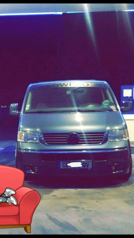 Element face avant VW T5.1  16996710