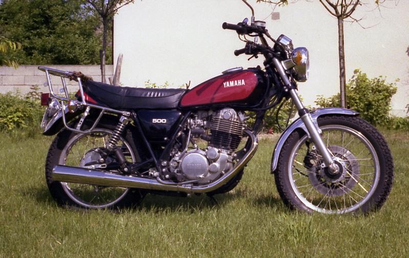 Votre plus belle moto du monde. P0158-12