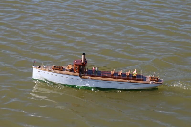 Yacht  classique à moteur 1920 / 1930 NEMESIS - Page 4 Img_6310
