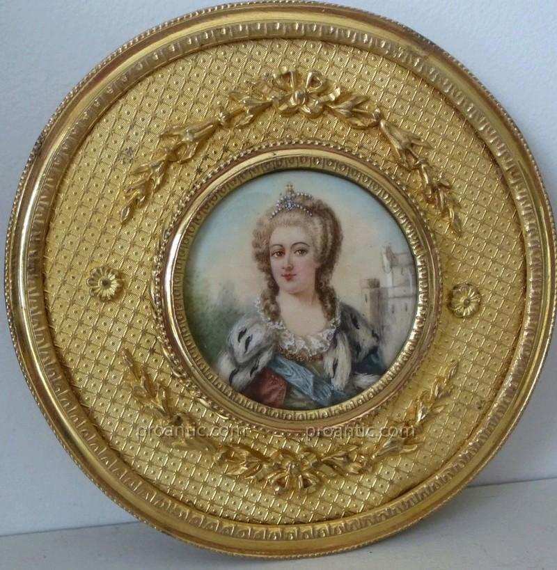 A vendre: miniatures de Marie Antoinette? - Page 5 23652110
