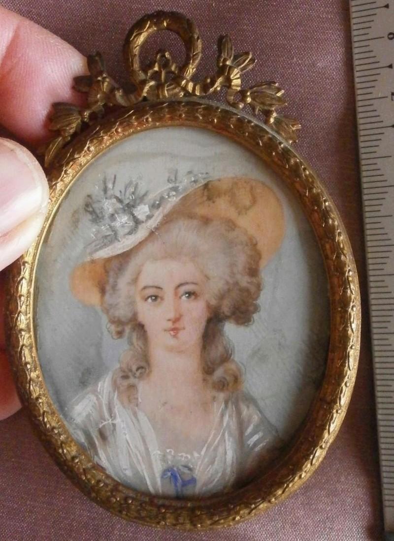 A vendre: miniatures de Marie Antoinette? - Page 5 Zzz510