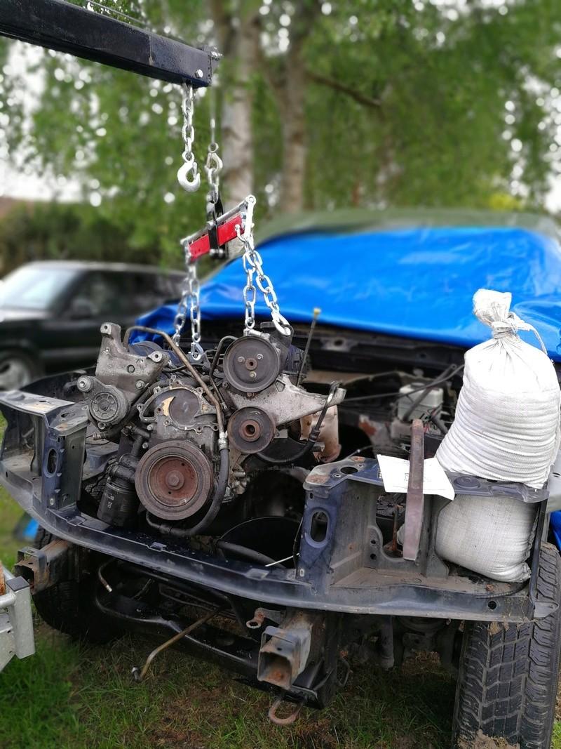 Dépose moteur 4.6L & surtout comment désaccoupler la boite du moteur Img_2012