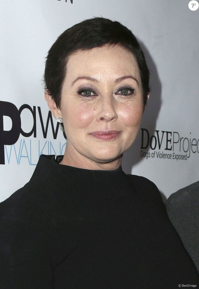 Shannen Doherty - Page 2 31127412