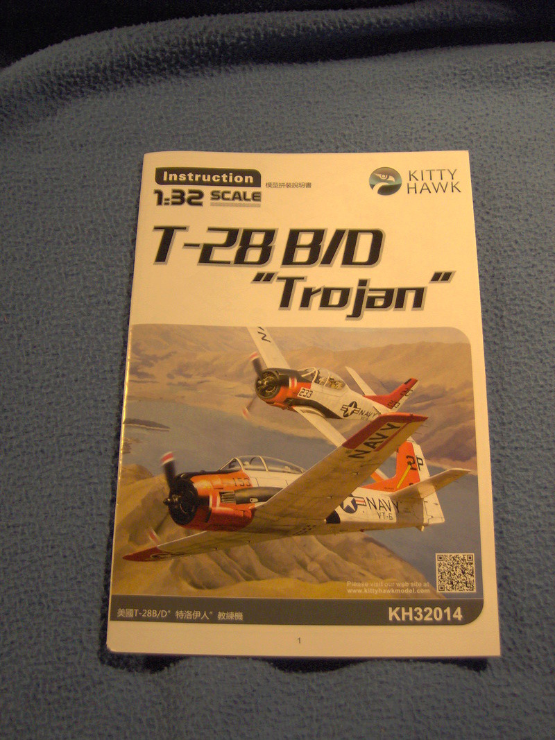 "North American T28 B/D ""Trojan"" Kitty Hawk au 1/32 410"