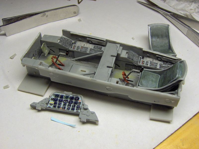 "North American T28 B/D ""Trojan"" Kitty Hawk au 1/32 411"