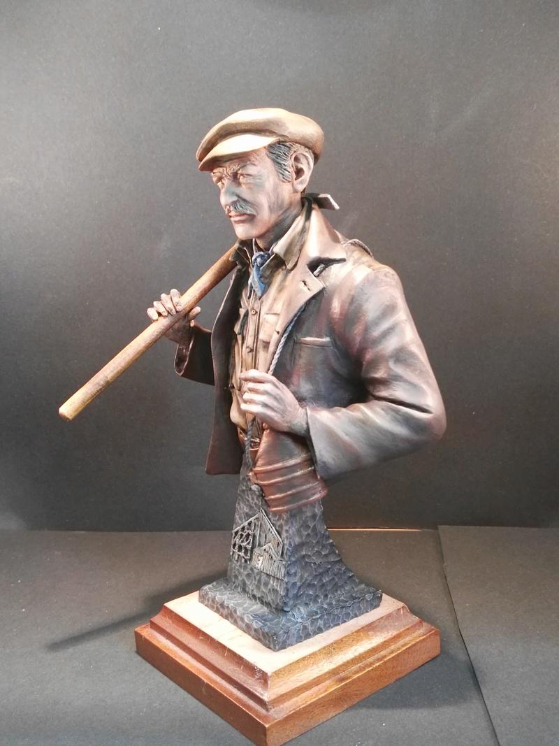 Buste terminé et premier prix ( 1/9 Model Cellar Blak Jack mineur des années 1800) Img_2014