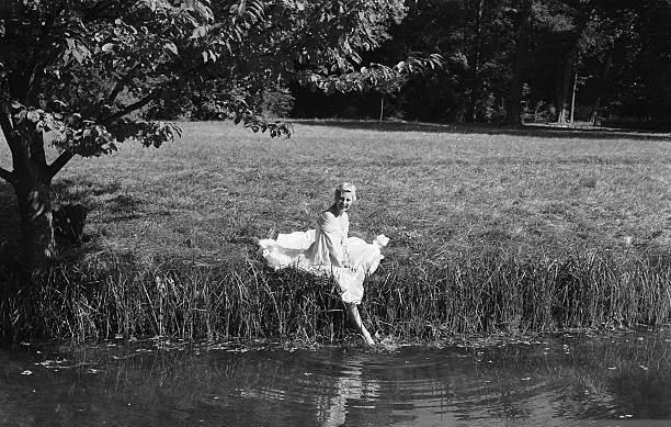Marie Antoinette avec Michèle Morgan (Delannoy) - Page 10 T0000013