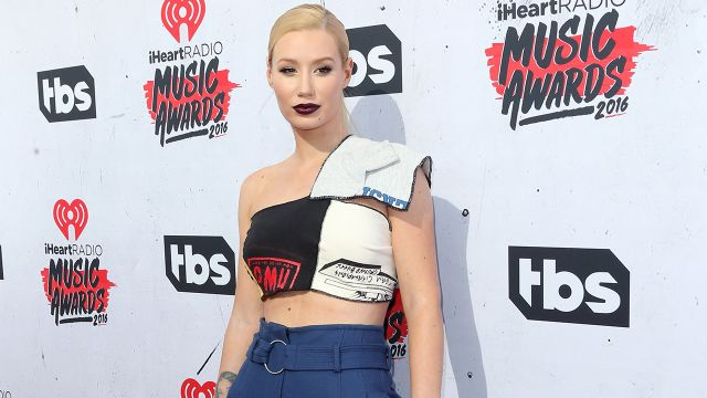 Iggy Azalea Drops New Single 'Can't Lose' The song features Lil Uzi Vert and will also be featured on her upcoming album, Digital Distortion.  05140110