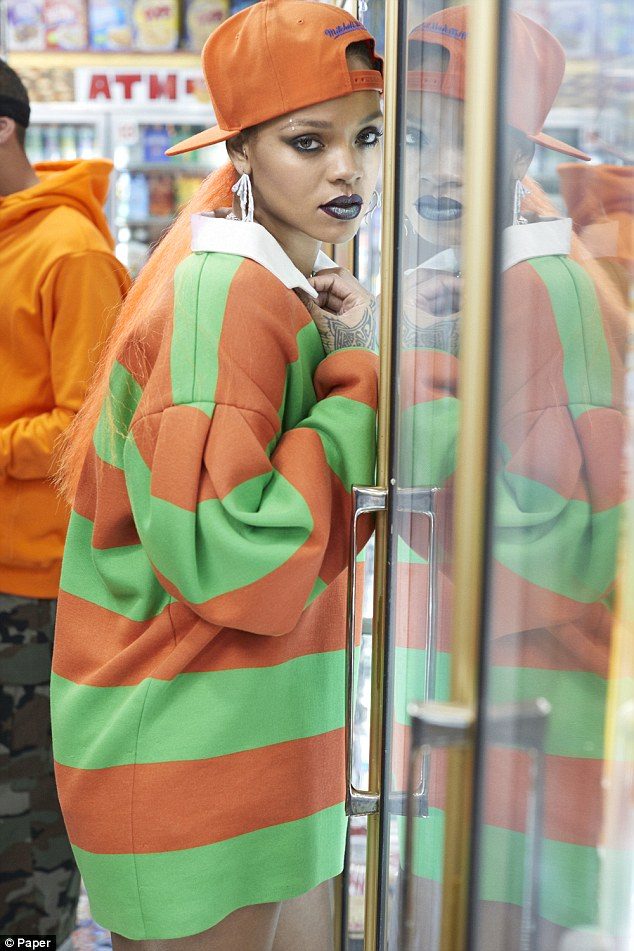 Rock rihannas style: Get fashion inspiration and  Steal the beauties many looks. 3dec2f10