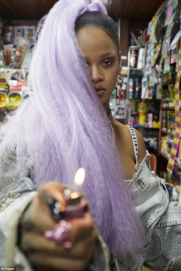Rock rihannas style: Get fashion inspiration and  Steal the beauties many looks. 3dec2f11