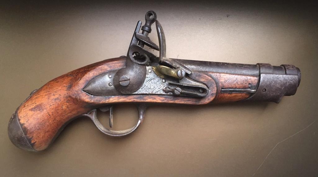 Aide identification pistolet à silex daté de 1811 121