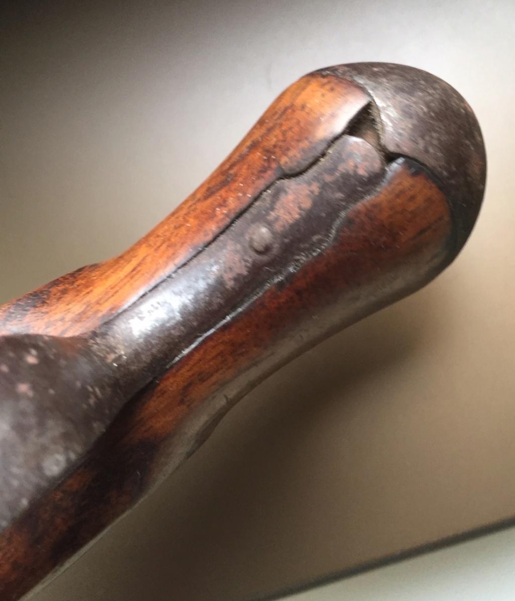 Aide identification pistolet à silex daté de 1811 717