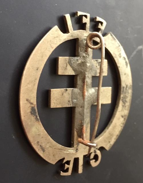 Identification insigne FFI GIE - région de Tours ??? Img_0424