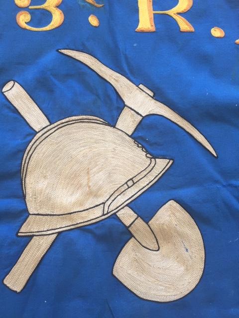Beau fanion du 423° Régiment de Pionniers 1939 Img_1691